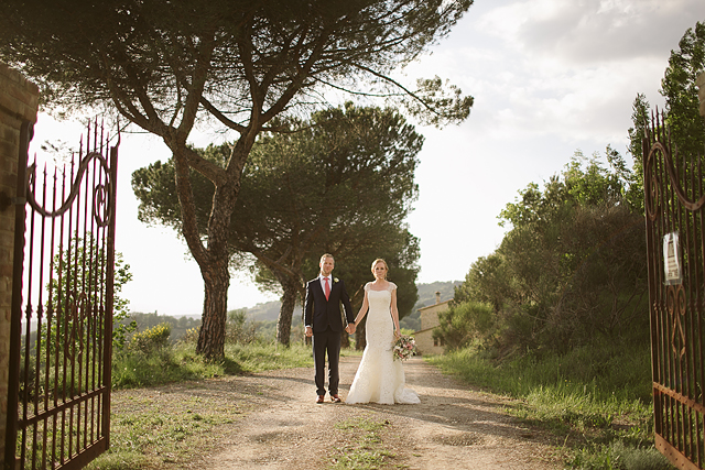 London UK & Worldwide Destination Alternative & Creative Wedding Photographer Italy